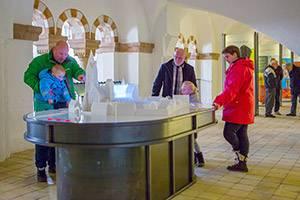 Besökande på Ribe Domkirke Museum