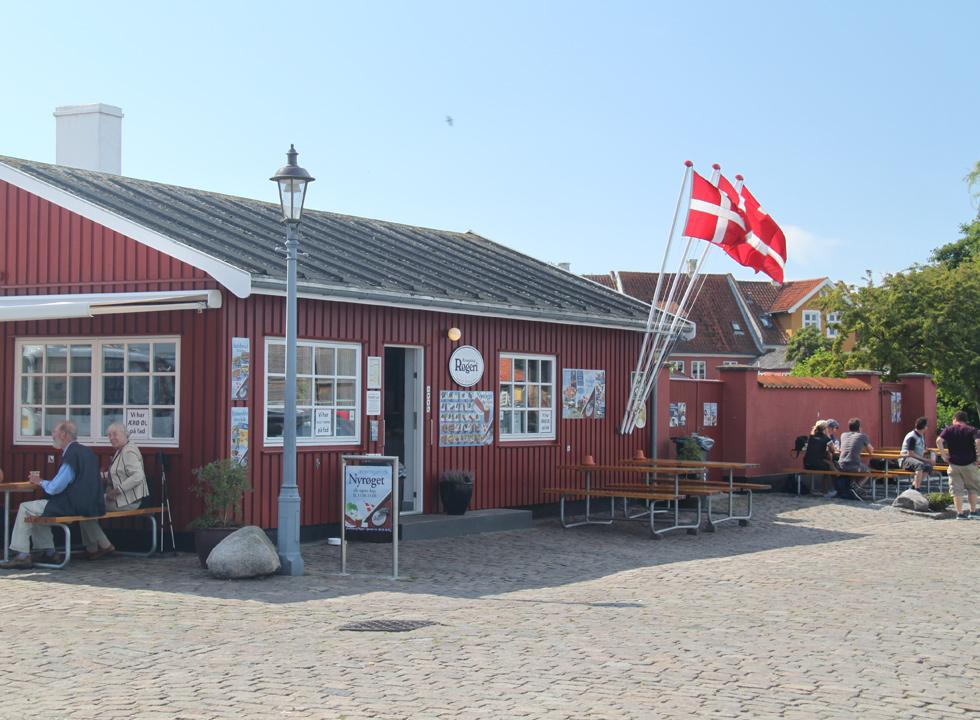 The cosy smokehouse by the harbour in Ærøskøbing