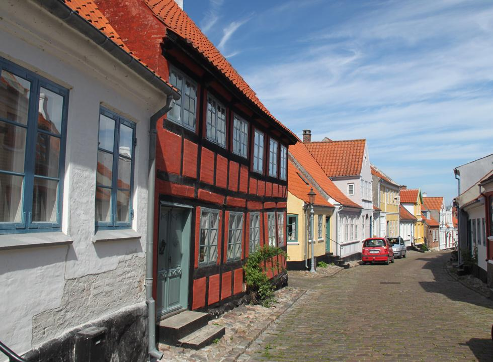 A street with atmosphere in the centre of Ærøskøbing