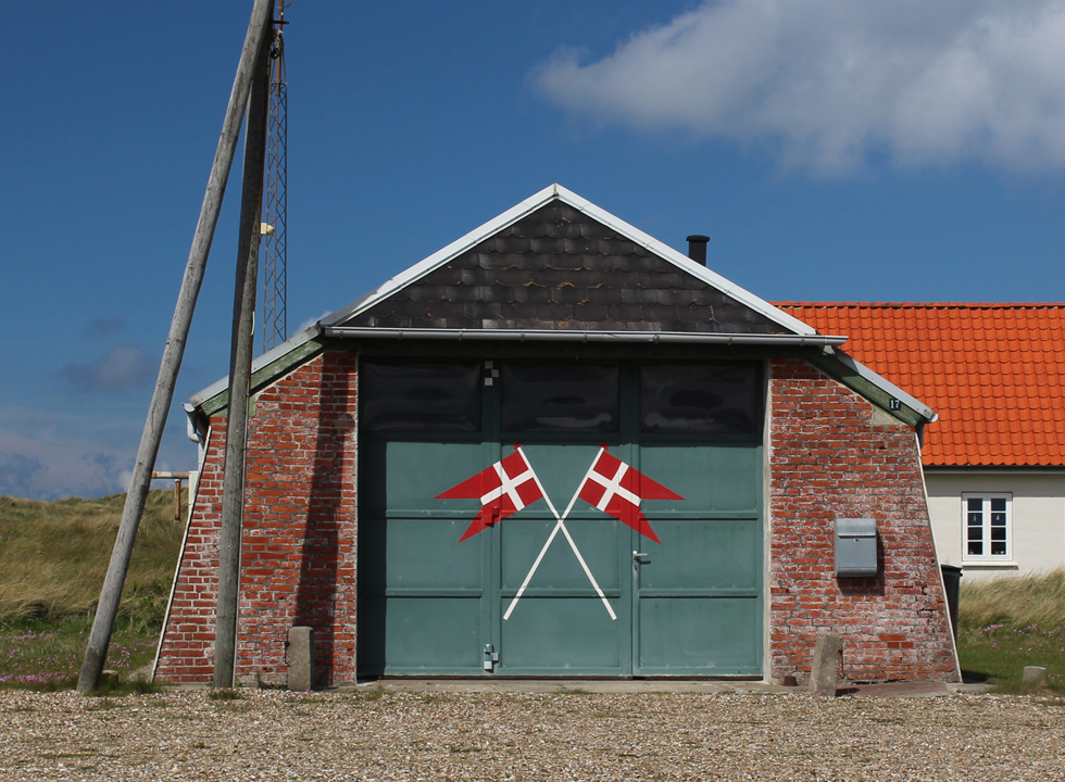 The rescue house of Agger is situated in the dunes behind the beach