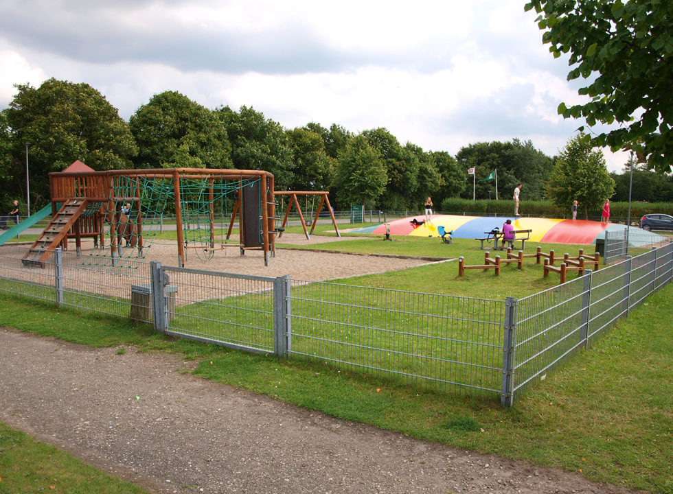 Child-friendly playground between the holiday homes in the holiday town Arrild