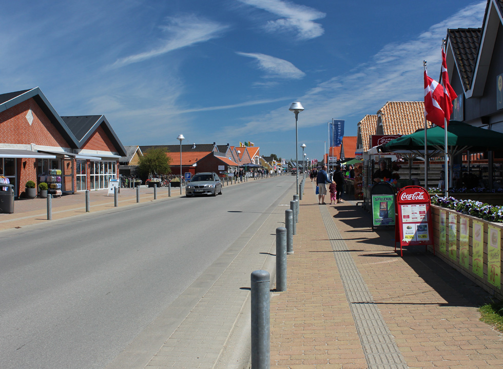 The main street in the holiday home Blaavand with shops, restaurants and activities