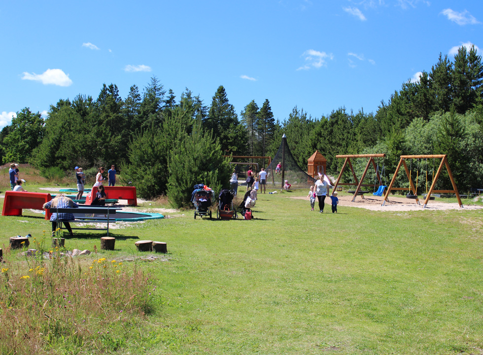 Great playground in scenic surroundings behind the beach in Bratten