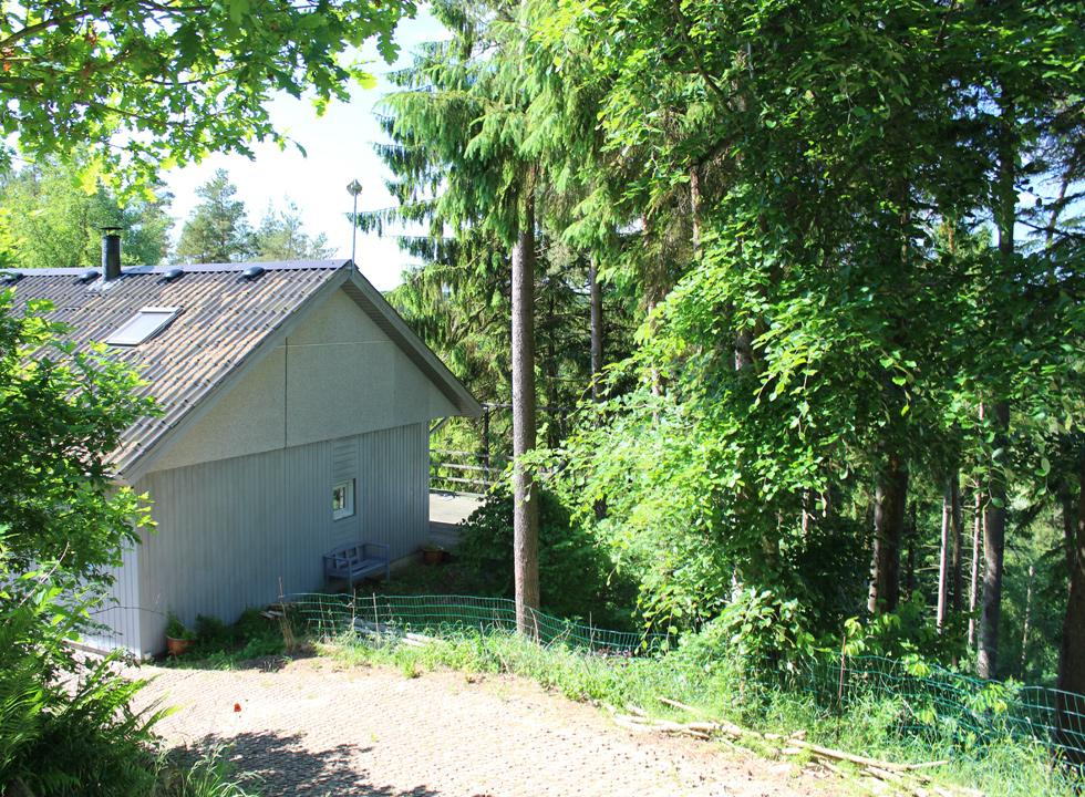 Holiday home in the heavily hilly forest area behind Bryrup and Bryrup Langsø