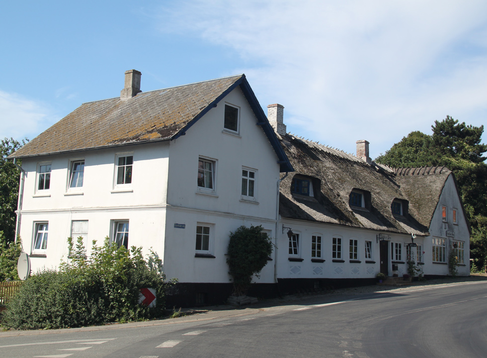 The beautiful and well-maintained inn, Dunkær Kro, in the holiday area Dunkær on Ærø