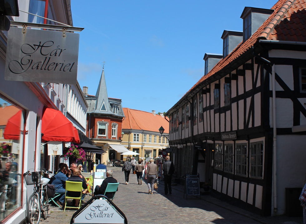Life and atmosphere in the old town centre of Ebeltoft