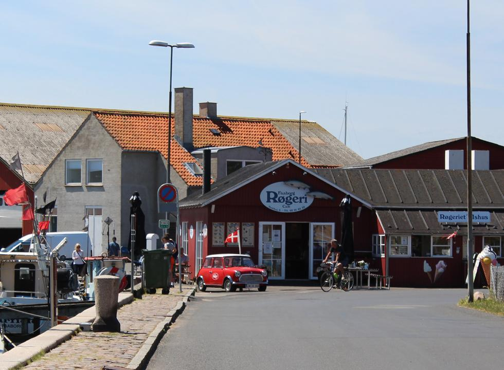 Inviting smokehouse and ice-cream shop on the cosy harbour of Fåborg