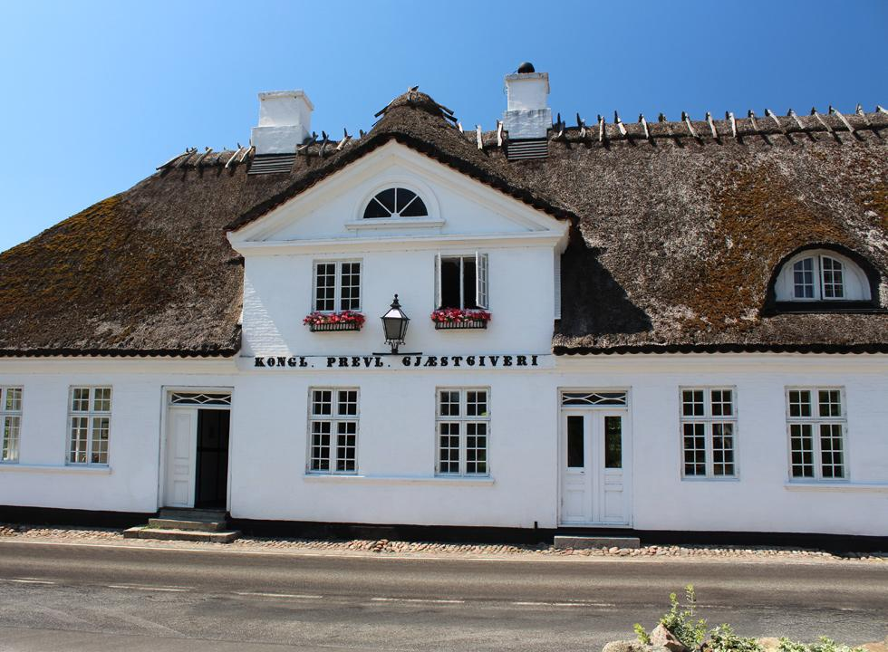 The well-maintained and thatched inn, Falsled Kro, in the centre of the town