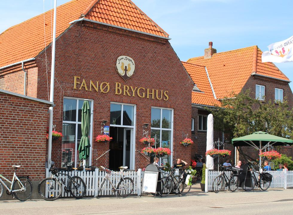In the brewery Fanø Bryghus in Fanø, Grøndal you can taste the local beer and enjoy yourselves in the cafe