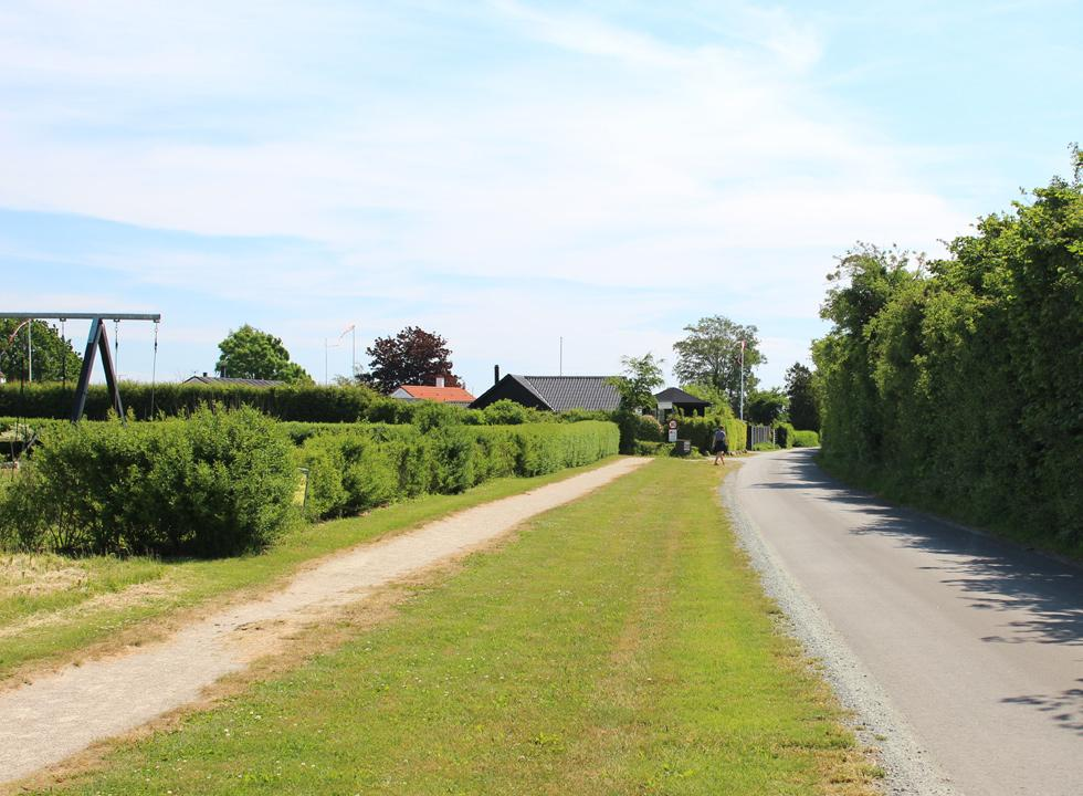 The road, which leads through the holiday home area Flovt