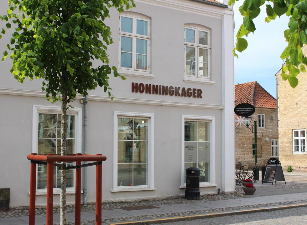 Gingerbread house in beautiful and historic surroundings in Christiansfeld, 28 km from Flovt