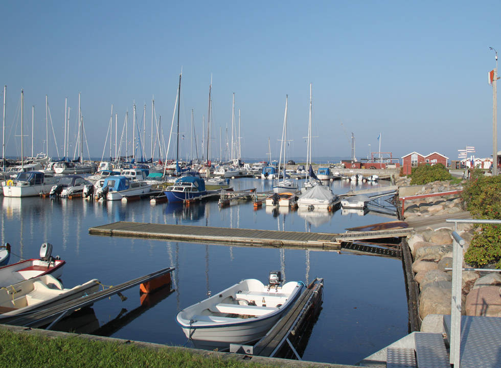 A calm morning in the marina in Gjøl