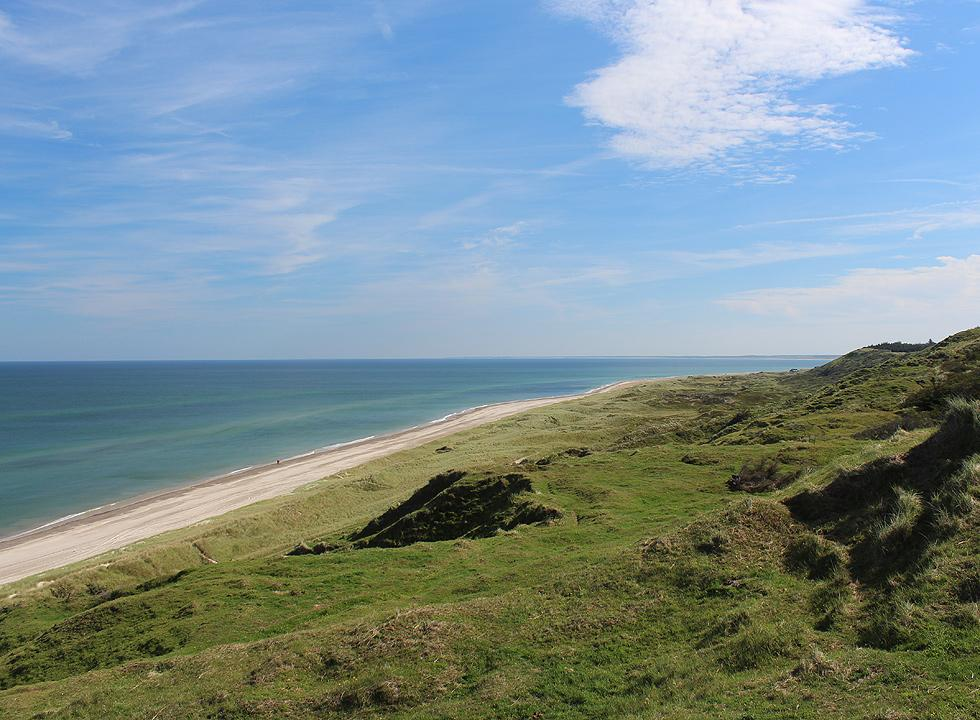The green hills towards north from Grønne Strand