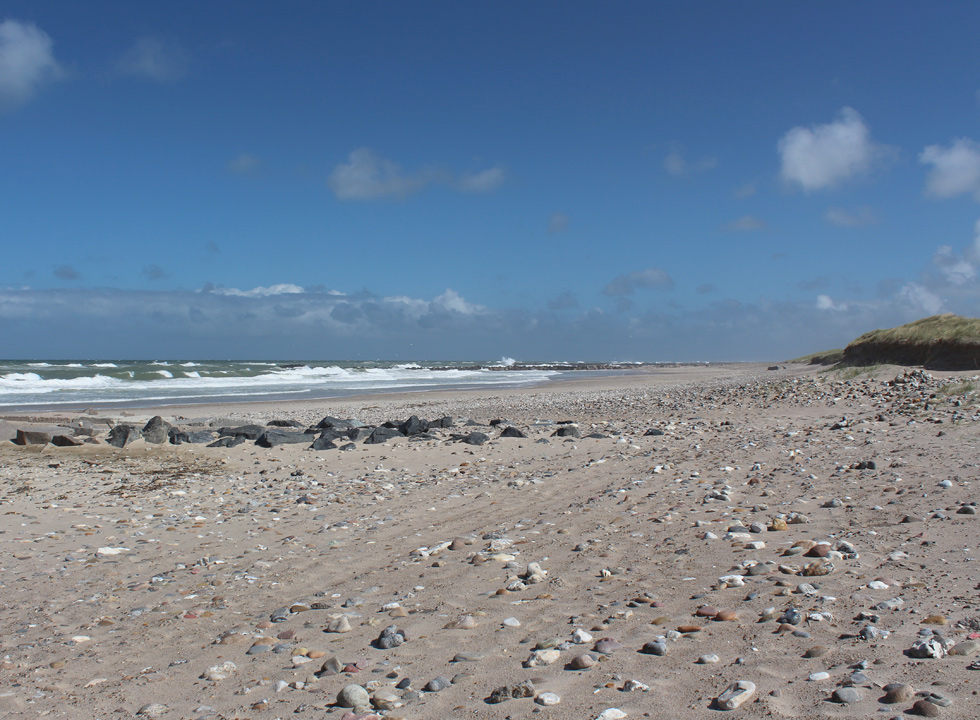 Beach and North Sea - as far as the eye can see - in Harboør