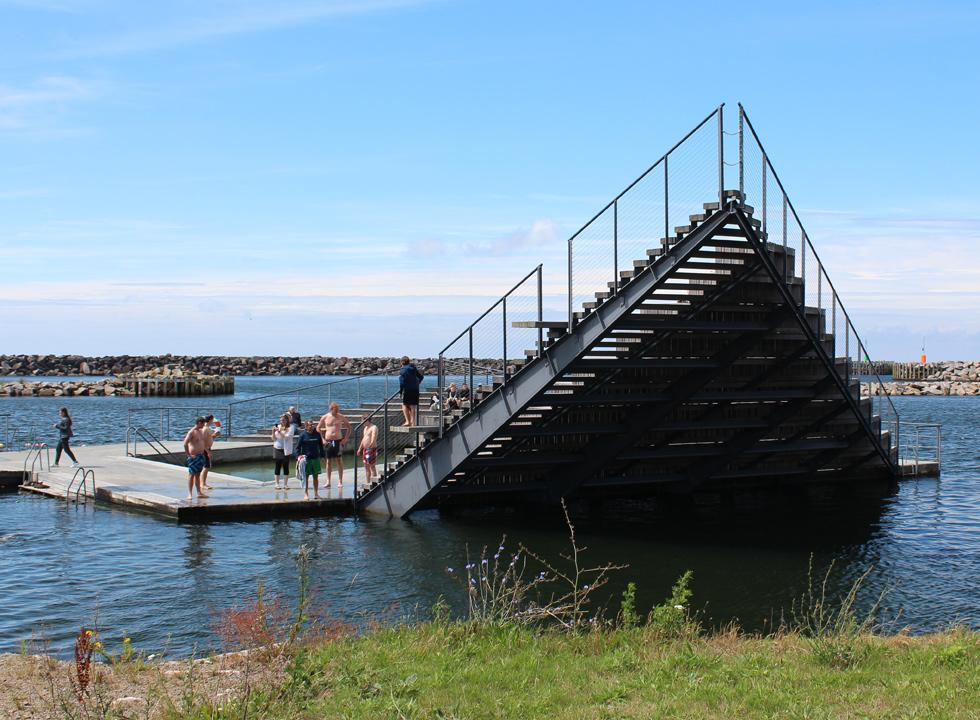You can jump into the harbour pool from the impressive stairs in the harbour bath Hasle Havnebad