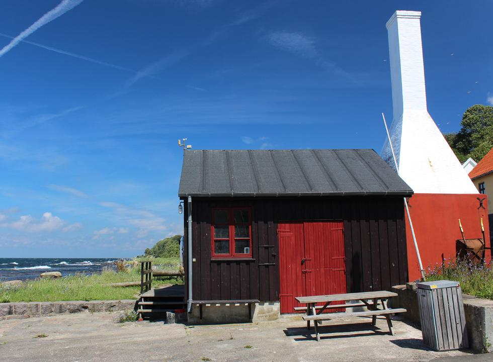 The cosy, old harbour cabin in Helligpeder, 3 km from Hasle