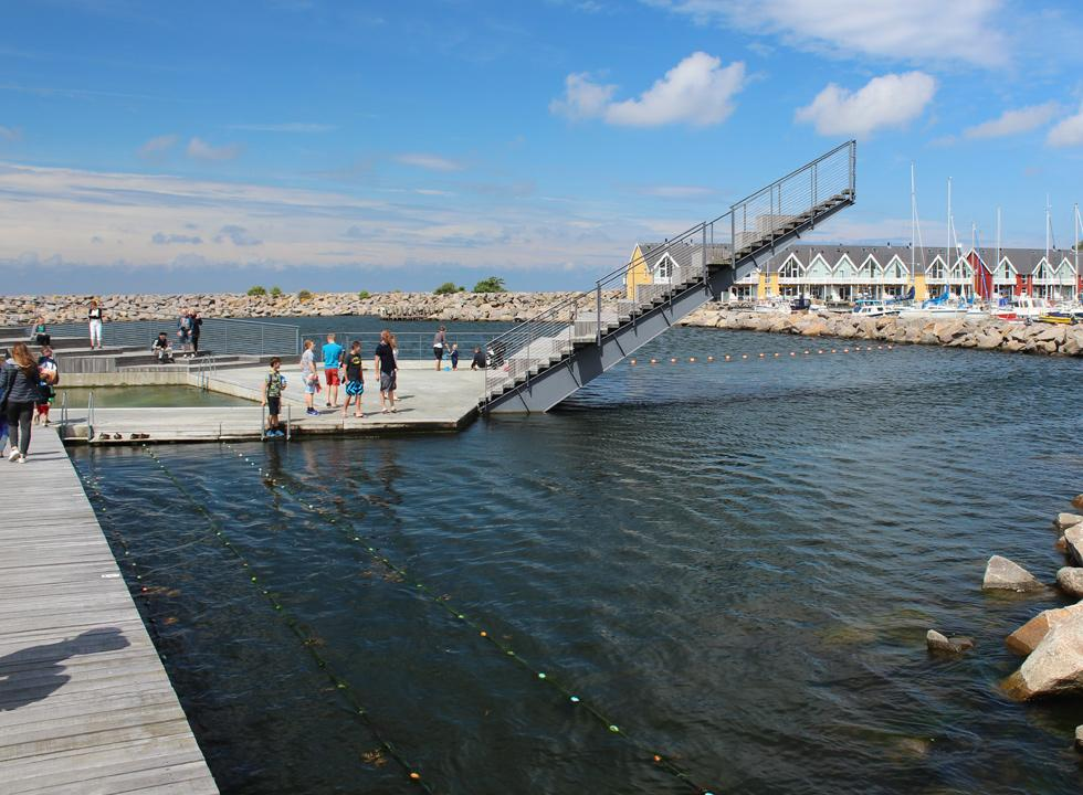 The harbour bath, Hasle Havnebad, is situated by the marina and the cosy harbour houses