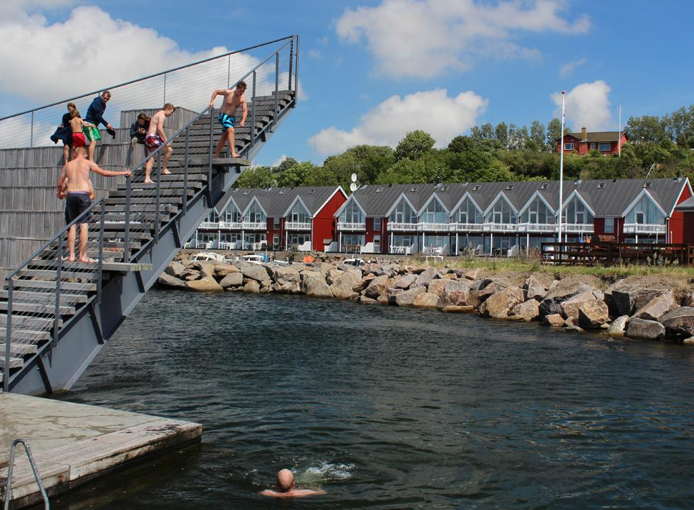 Jump from the stairs in the harbour bath, Hasle Havnebad