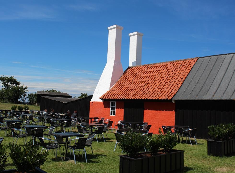 Enjoy the freshly smoked fish next to the smoker at the smokehouse Hasle Røgeri