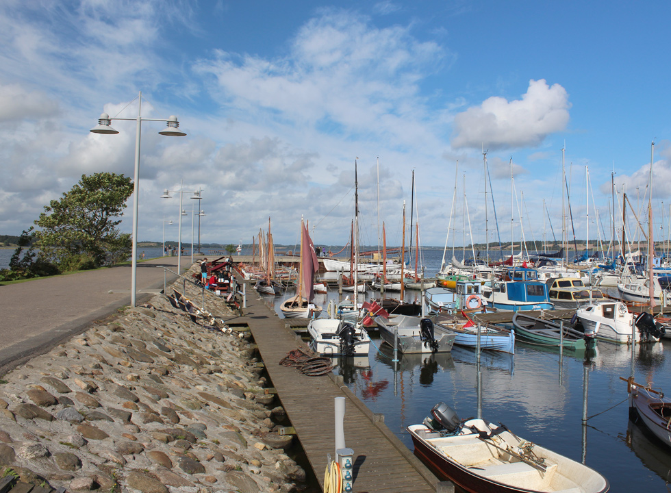 The cosy marina in Hjarbæk with fishing boats, dinghies, motor boats and yachts