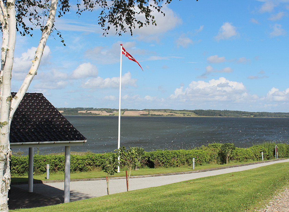 From many holiday homes in Hjarbæk you can enjoy the view of the bay Hjarbæk Fjord