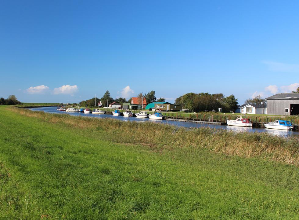 The small harbour in Hojer is located by the stream Vidaaen