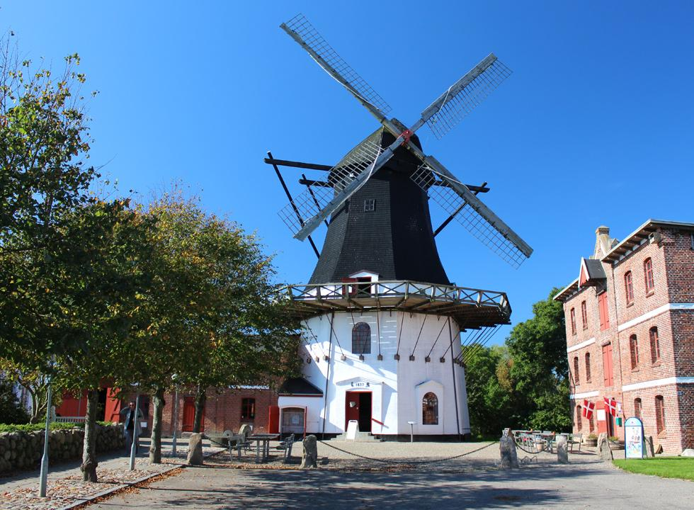 The beautifully restored mill Hojer Molle is located in the centre of Hojer