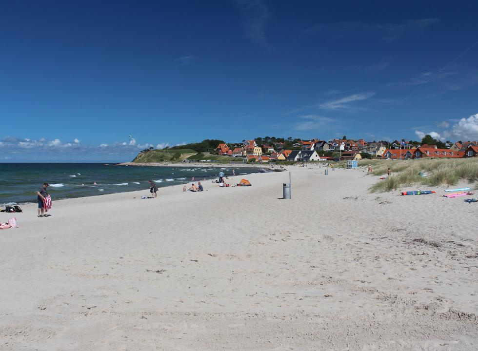 The lovely sandy beach of Hundested is located in the centre of the holiday area, right next to the marina