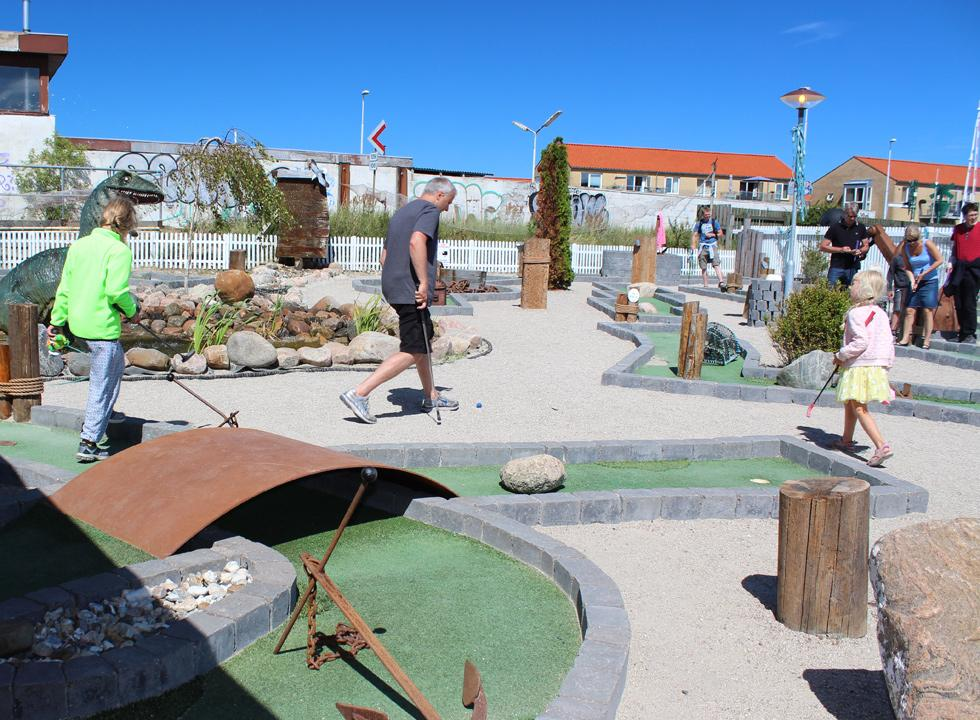 Fine minigolf course in the harbour of Hundested