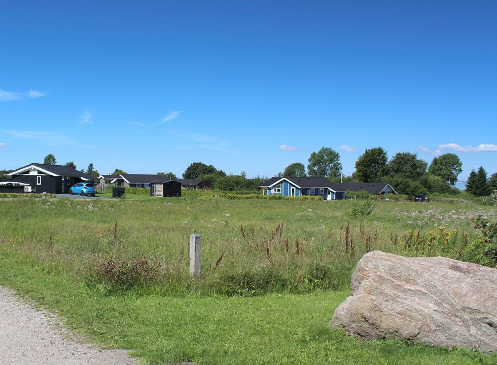 Lovely holiday homes on the green spaces behind the beach in Købingsmark