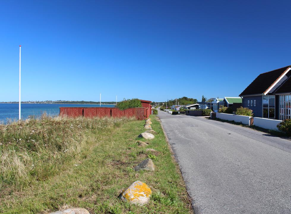 The holiday homes in Kongsmark Strand are situated along the shore and many have a view of the sea