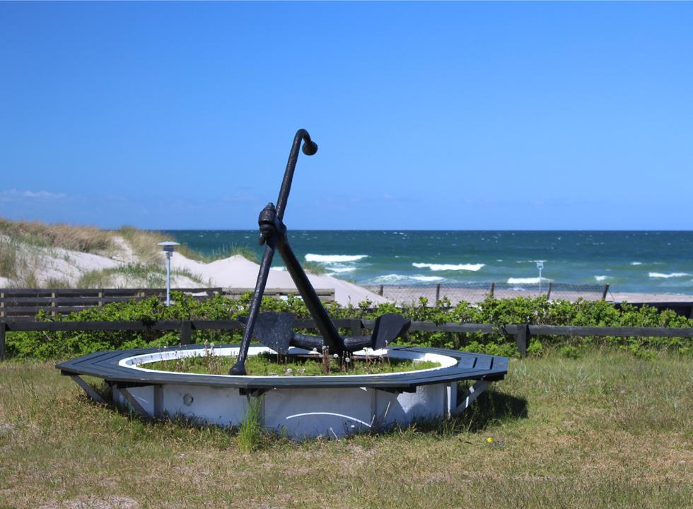 Sculptural anchor by the beach and the marina in Osterby