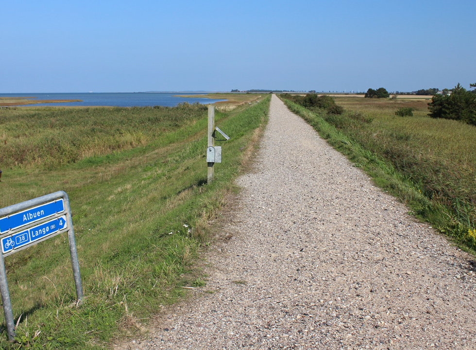 Bicycle path, which connects Langø with the beach and nature area Albuen