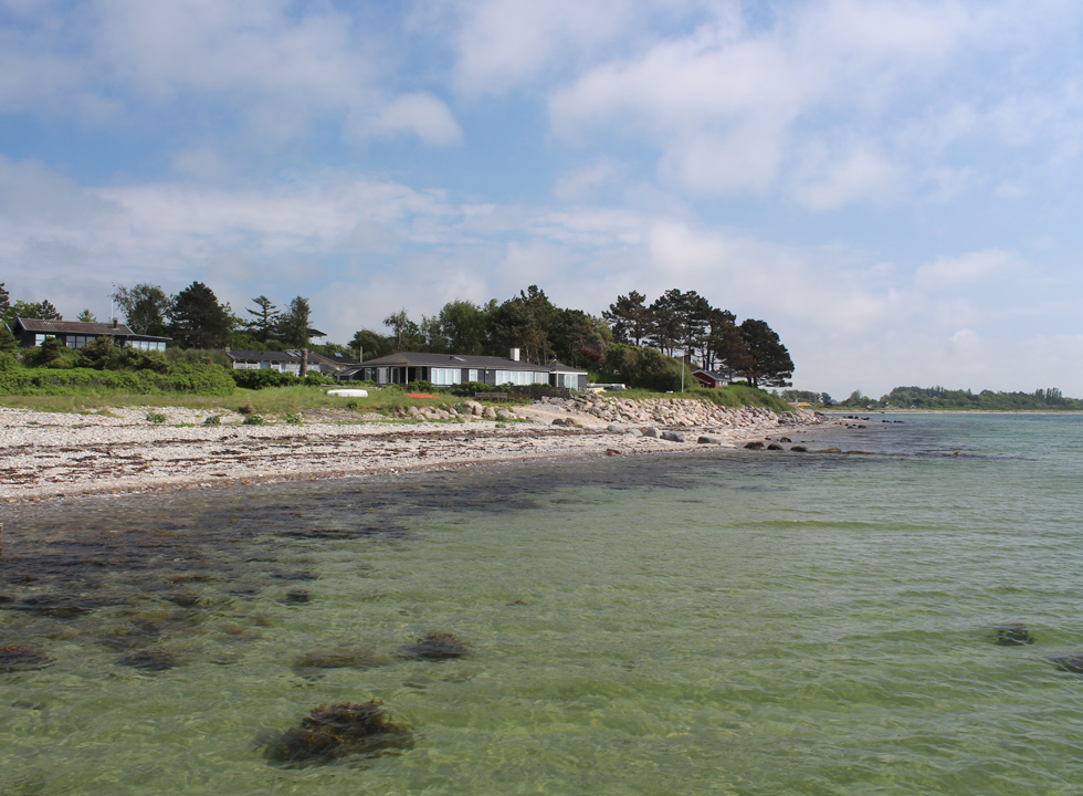 View along the shore in the holiday home area Langø on North Funen