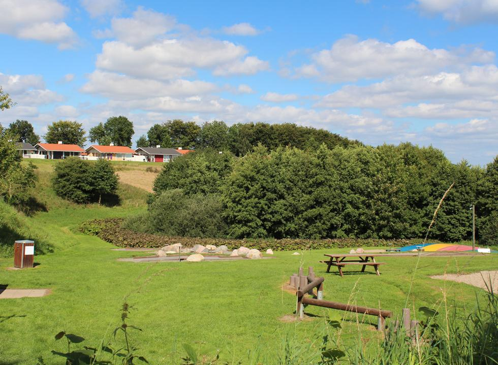 Playground, petanque course and other activities by the holiday homes in Løjt
