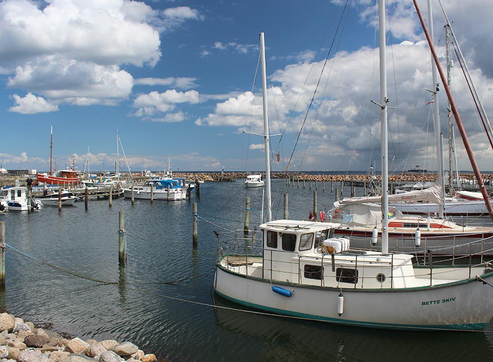 The marina in Spodsbjerg, 3 km to the south of the holiday area Lokkeby