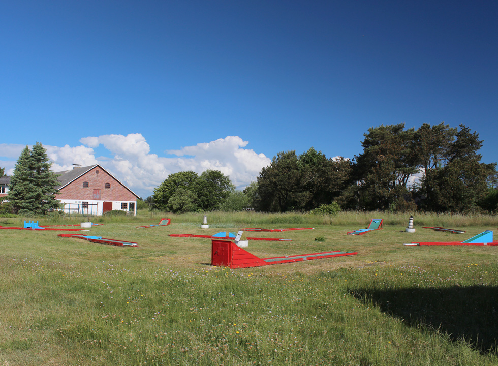 Minigolf course by the grocery shop in the holiday home area Lyngså