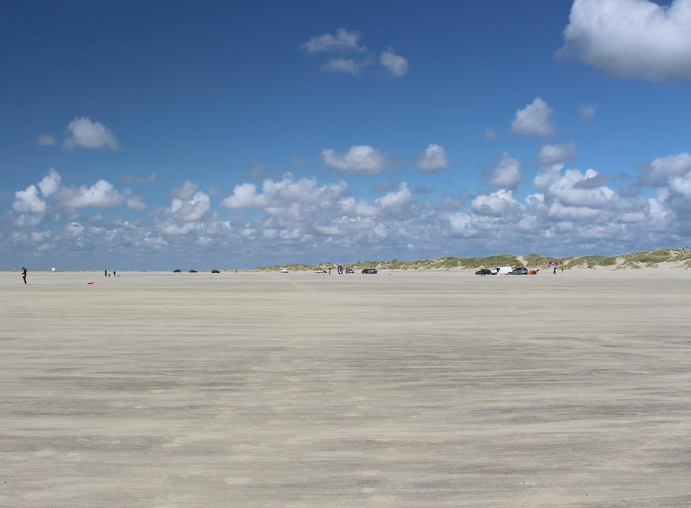 Visit the wide sandy beach in Lakolk, 12 km from Havneby, when you spend your holiday on Romo