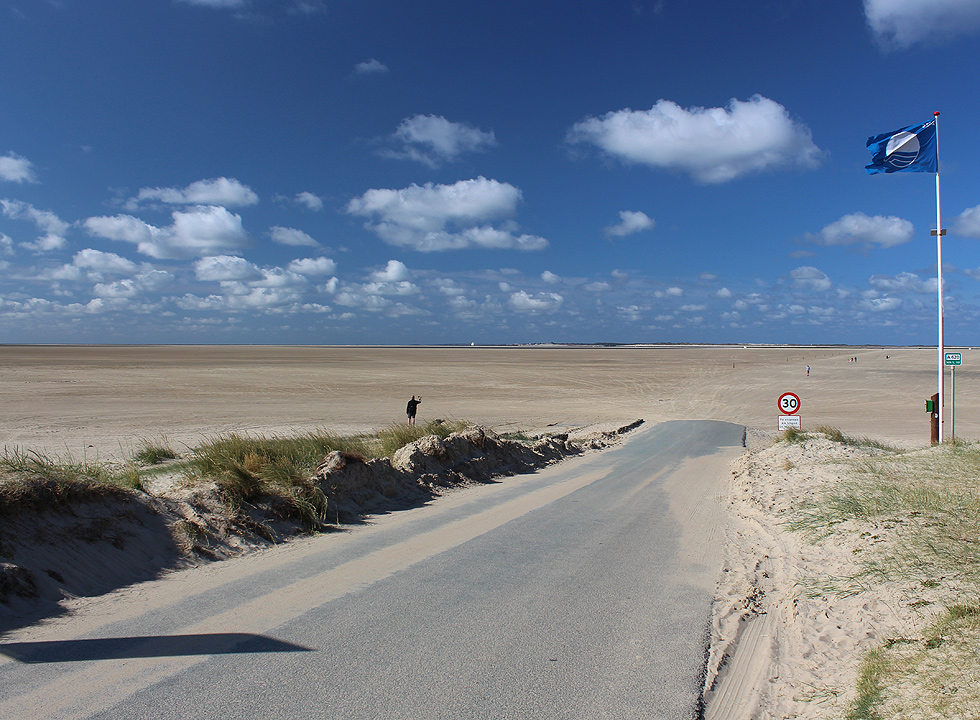 The beginning of the beach Sonderstrand in Sydoen, which stretches more kilometres towards the sea