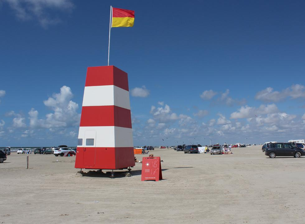 Life guards keep an eye on the bathers on the beach of Lakolk, 11 km from Rømø, Vesterhede