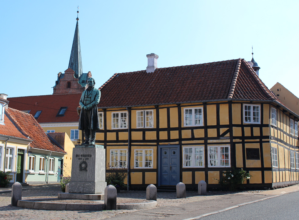 Statue of H. C. Ørsted on the square, Gåsetorvet, in the centre of Rudkøbing