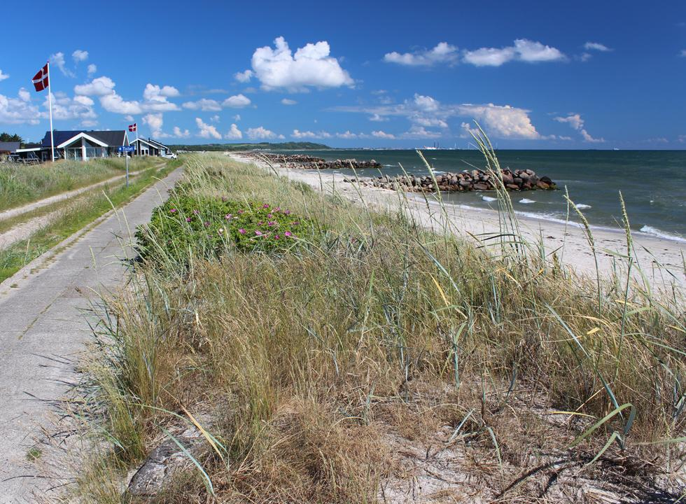 View along the beach by the holiday home area in Sæby