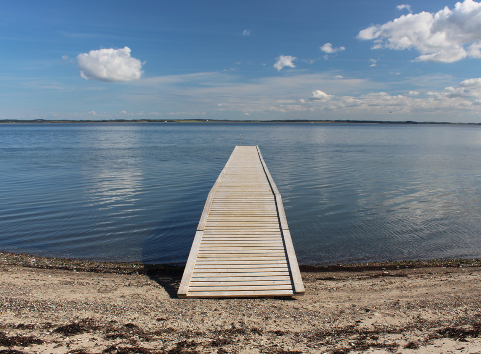 You can make use of a bathing jetty by the beach in Selde