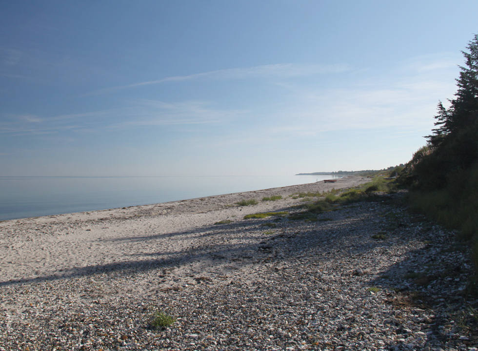 A beautiful and quiet morning on the beach in Skovgårde
