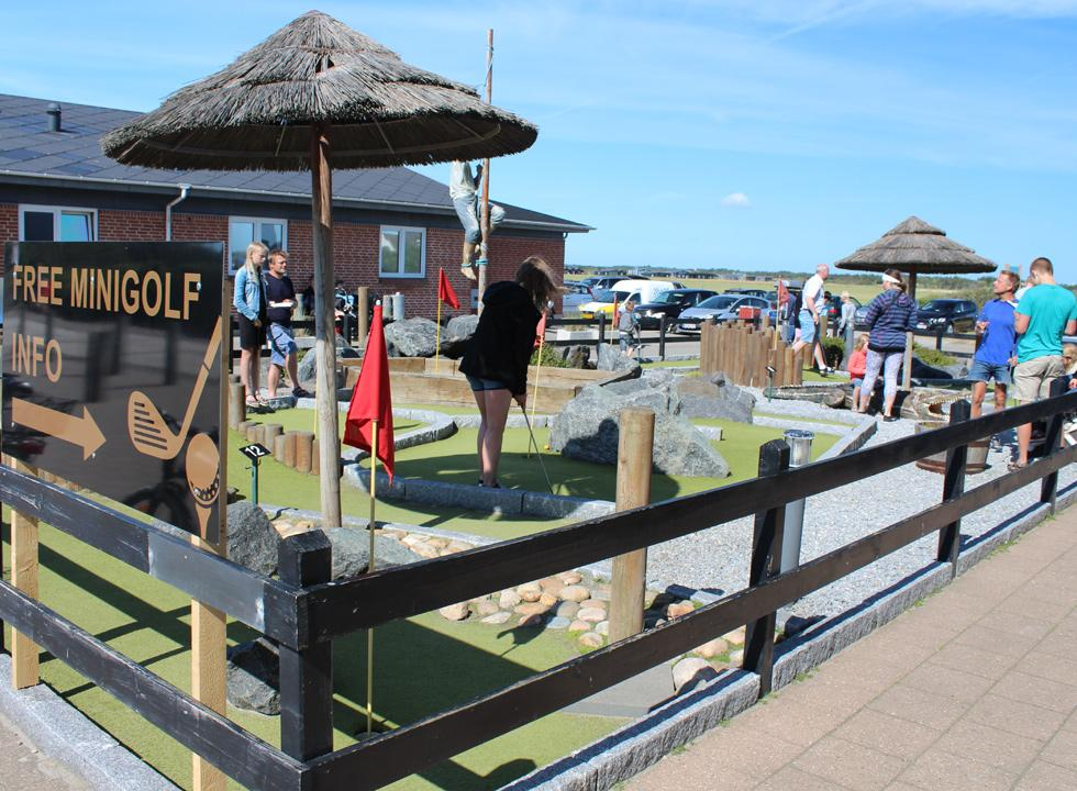 Challenge each other with a game of minigolf in the centre of Sondervig