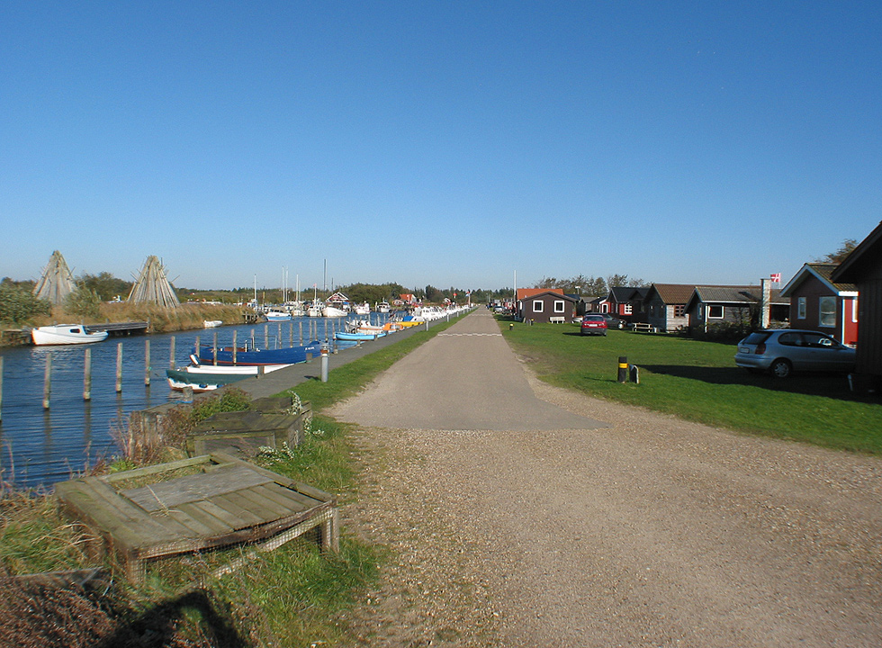Along the harbour in Stauning you will find both small fishing cabins and cosy holiday homes