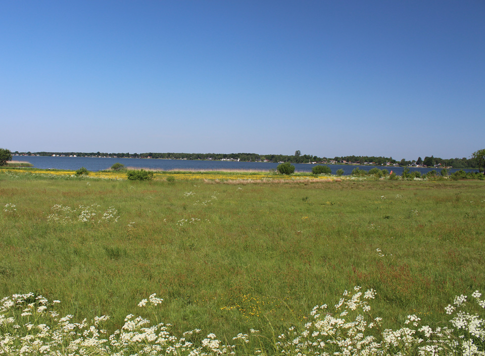 View of the lake Sunds Sø and the holiday homes along the lake