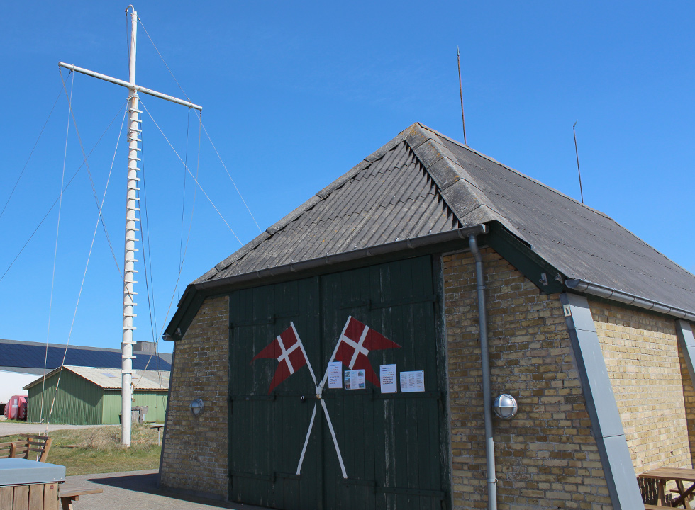 The ice-cream shop, Thorup Strandkiosk, has been established in a former rescue house in Thorup Strand