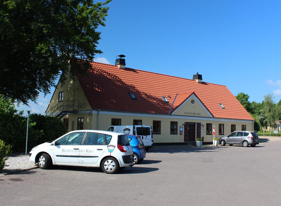 The inn, Kongensbro Kro, is situated further down the stream, Gudenåen, close to Truust