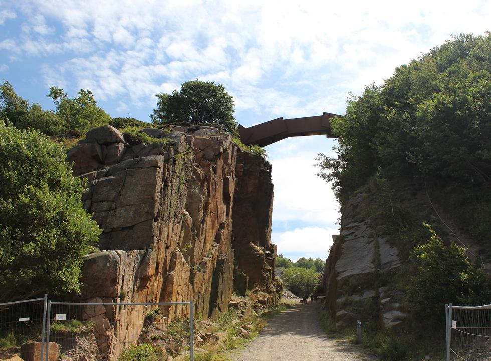 The sculptural DGI-bridge by the artist Peter Bonnén over the gorge by the quarry near Vang Pier